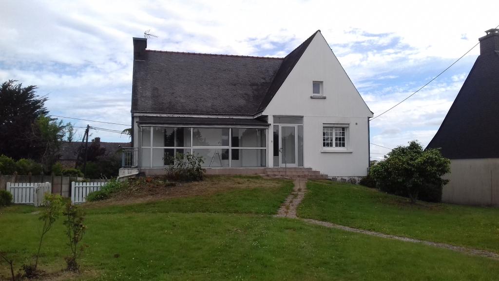 Morbihan 56 330 Maison Pluvigner 5 pièce(s) 98 m2 3 chambres 1 bureau 1 gernier SOUS-SOL complet et terrain de 800m²