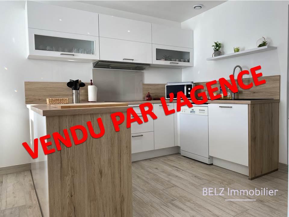 56550 Maison Belz EXCLUSIVITE Idéalement située entre les commerces et la Rivière d'Etel Maison de pays avec 2 chambres et un bureau