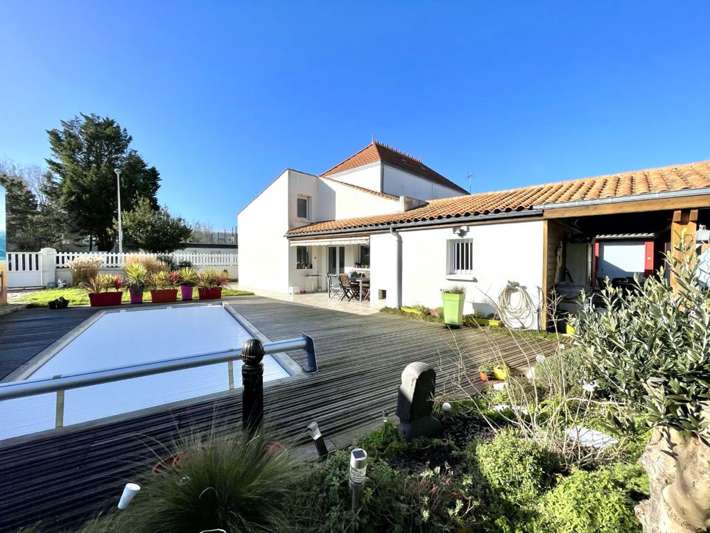 Maison La Rochelle 5 pièce(s) 240 m2