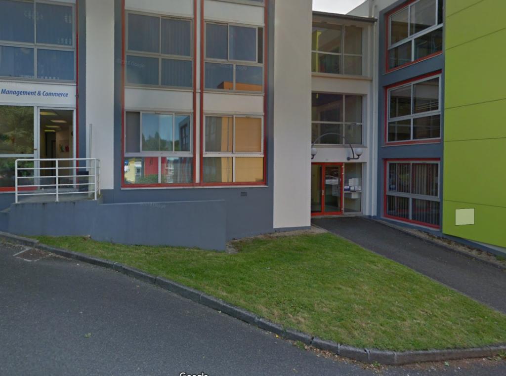 A LOUER un plateau de bureau  de 56 m² 29 000 QUIMPER.