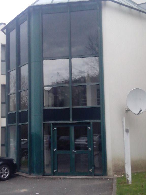 A VENDRE  bureaux 195 m² avec salle de réunion et parkings 29 000 Quimper
