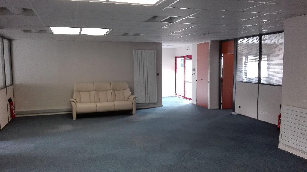 Bureaux a louer 180 m2  BREST-ZONE DE L'HERMITAGE.