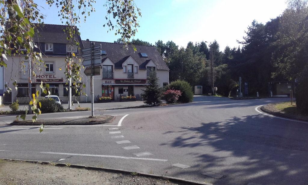 A vendre immeuble avec une très belle visibilité (Rond-Point) sur l'axe Fouesnant / Bénodet