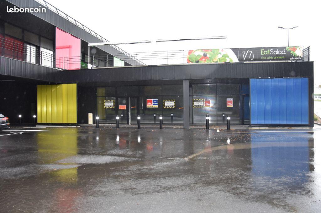 Brest Guipavas à vendre  local commercial 1219 m².