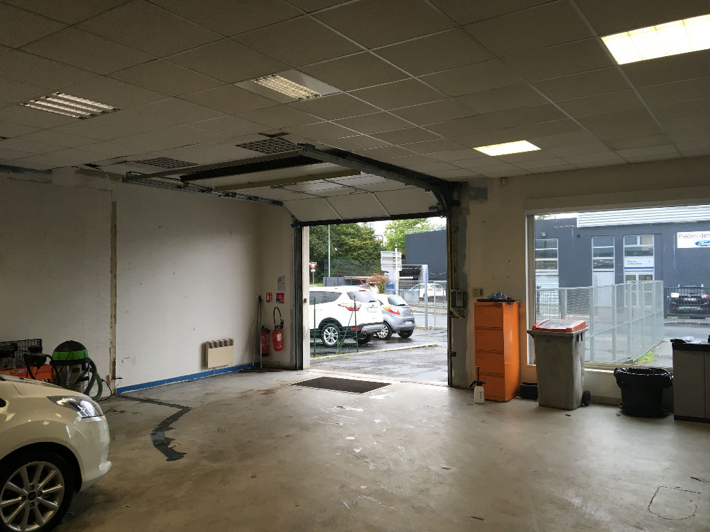 Brest Kergonan local commercial  255m² en location