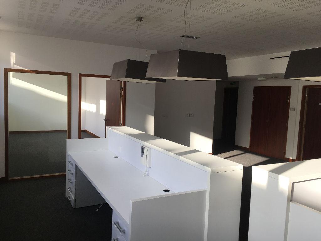 A vendre  plateau de Bureaux de 284 m²