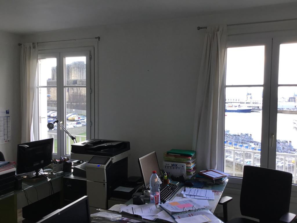 A louer Bas de Siam à Brest vue mer plateau de bureaux de 67 m²