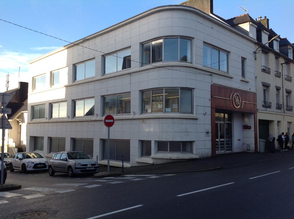 A louer très bel immeuble de bureaux divisible.29000 Quimper