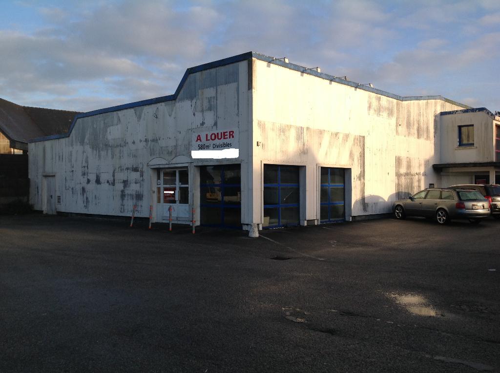 Local commercial Carhaix Plouguer 580 m2 Face Intermarché