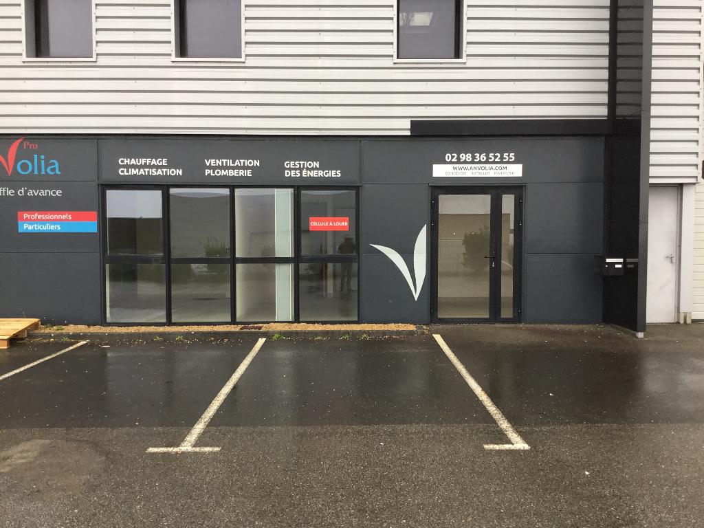 Bureaux  100 m2  ( 55 m² de bureaux en rdc et 45 en etage )