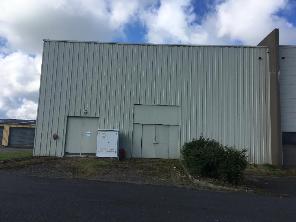 Entrepôt / local industriel Saint Martin Des Champs 275 m2