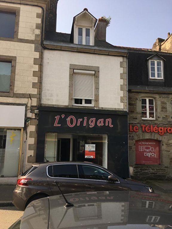 À VENDRE Immeuble avec RDC commercial et habitations 29270 Carhaix Plouguer