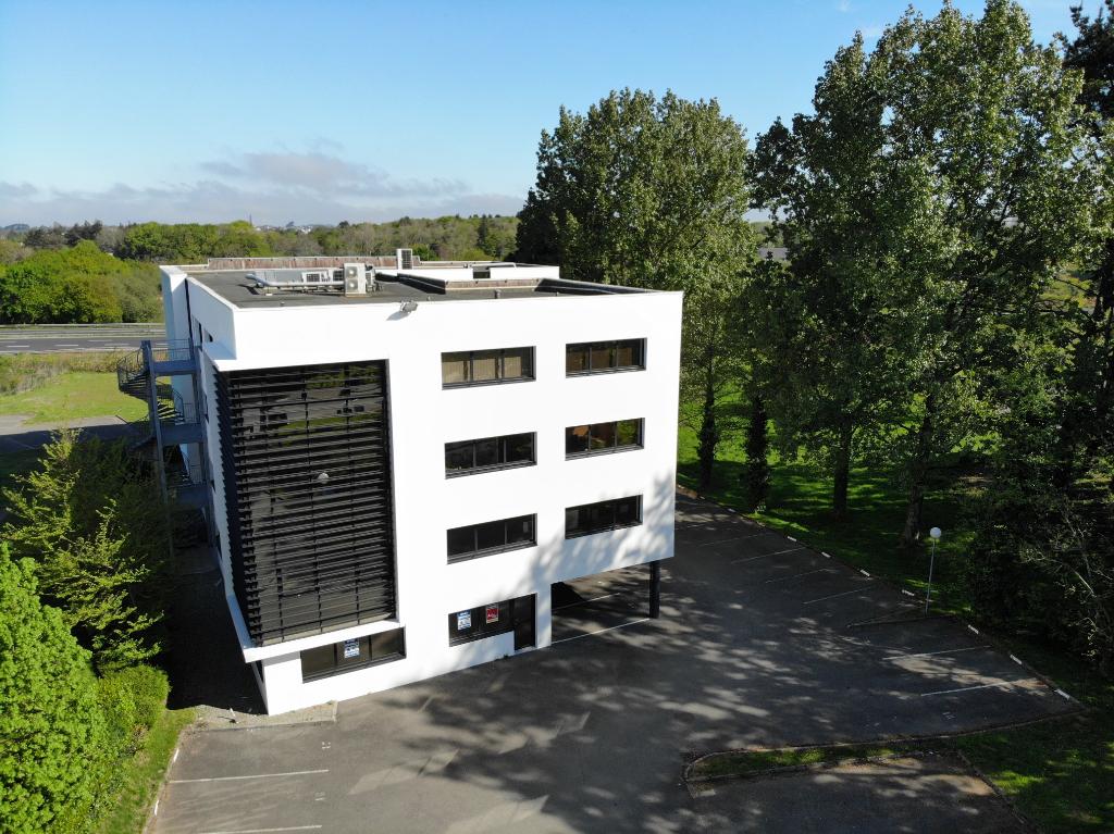 A louer Plateau de bureau 185 m² zone de Kergaradec
