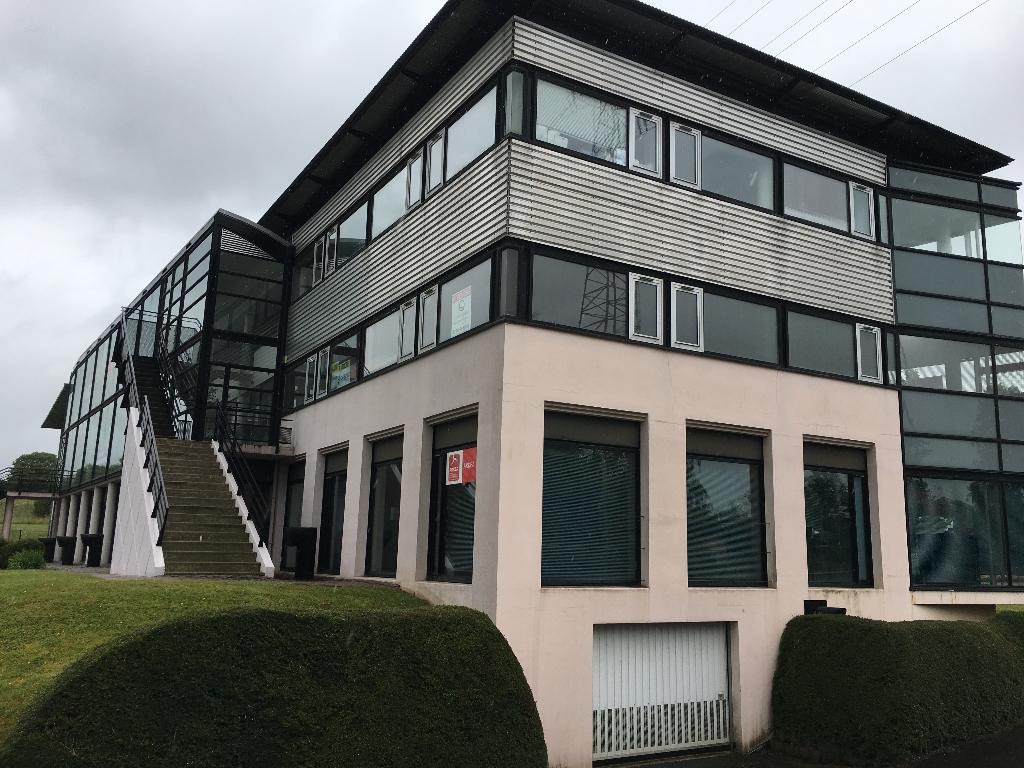 À louer Quimper 29000 ZA de Cuzon plateau de bureaux de 60 m² avec excellente visibilité sur RN 165