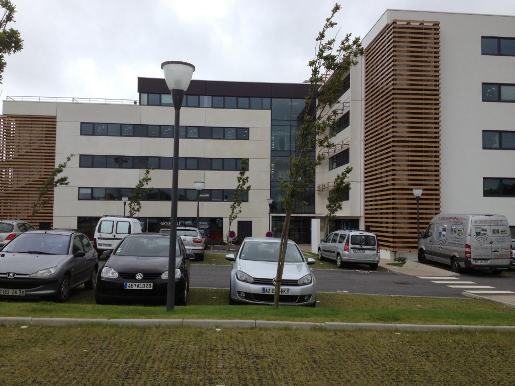 Bureaux Guipavas 105 m2  (  zone de l'aéroport)