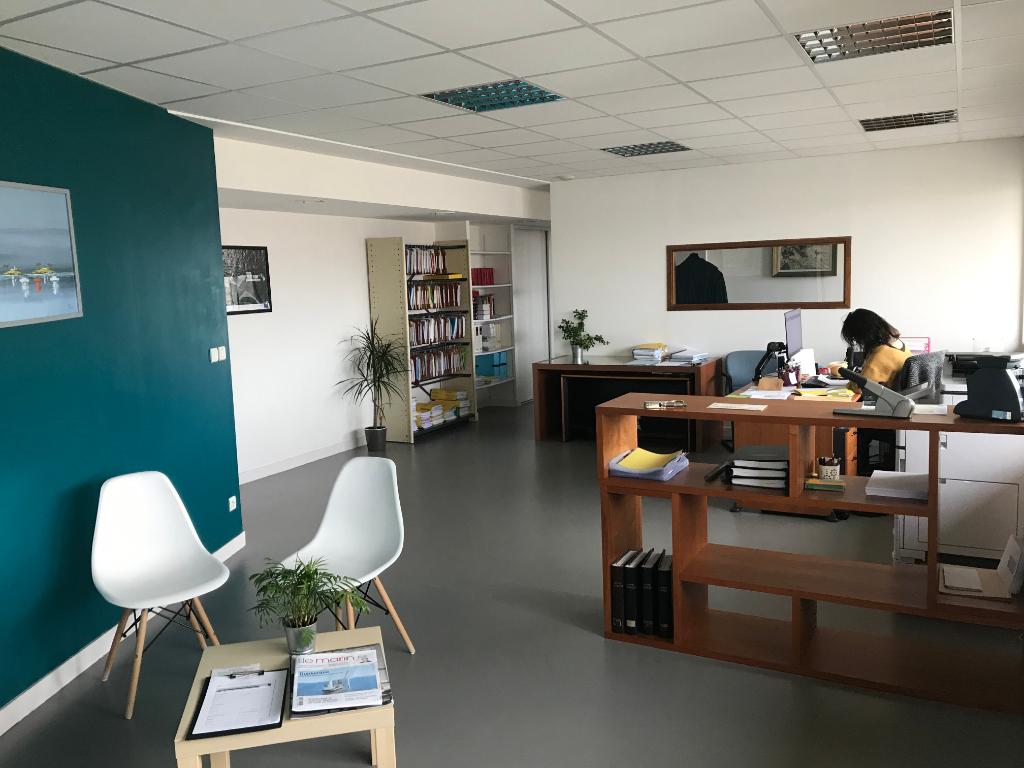 A louer Bureaux Brest 104 m² port de commerce.