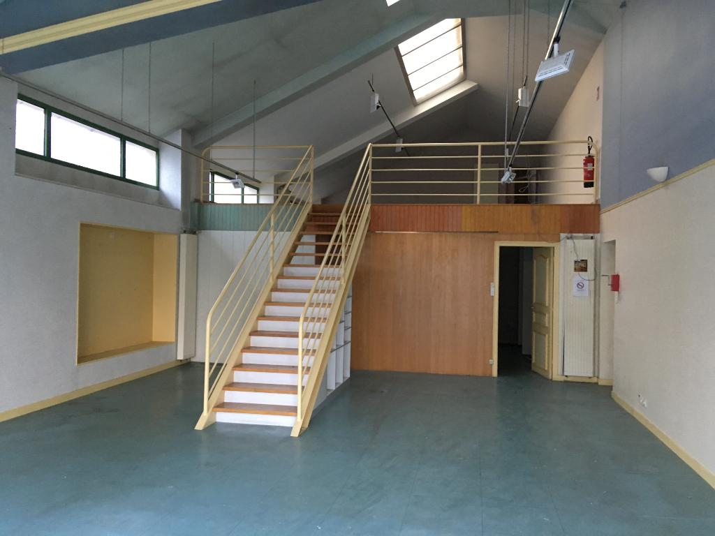 Local d'activité Pleyben 823 m2