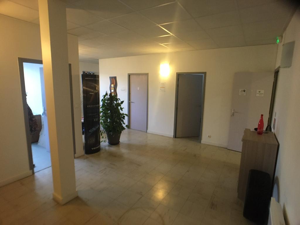 A LOUER bureaux  de 55 m² environ QUIMPER 29000