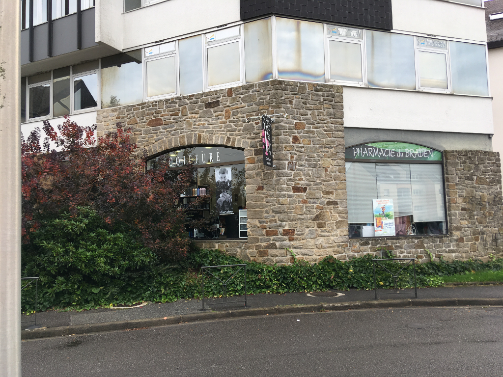 À LOUER  un local d'activité ou commercial  de 50 m² centre commercial du Braden 29000 Quimper