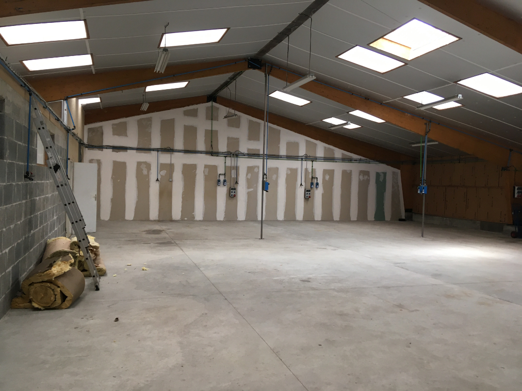local d'activité de 500 m²  ZI de Briec