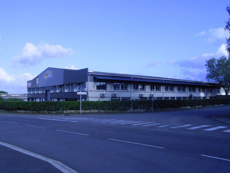 a louer /morlaix /BUREAUX  600 m² SAINT MARTIN DES CHAMPS- ZONE DE KERIVIN-  DIVISIBLES