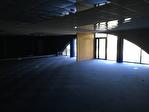 À vendre un immeuble de 4000 m² sur un terrain de 30 000 m² avec une visibilité attractive en bordure de la voie expresse RN 165 Châteaulin 29150 17/18