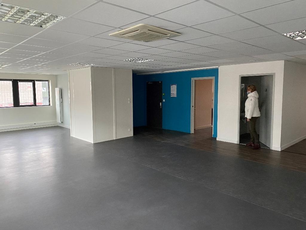 A louer Bureaux Brest ( port de commerce ) 145 m2