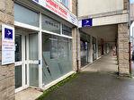 A louer un local de bureau de 70 m², avec vitrine sur rue, excellente visibilité, centre ville de 29 000 Quimper 12/14