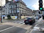 À louer un local d'activité commerciale ou tertiaire de 103 m² en RDC et 52 m² en sous sol, emplacement N°1, centre ville Quimper (29 000). 1/15