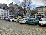 À louer un local d'activité commerciale ou tertiaire de 103 m² en RDC et 52 m² en sous sol, emplacement N°1, centre ville Quimper (29 000). 13/15