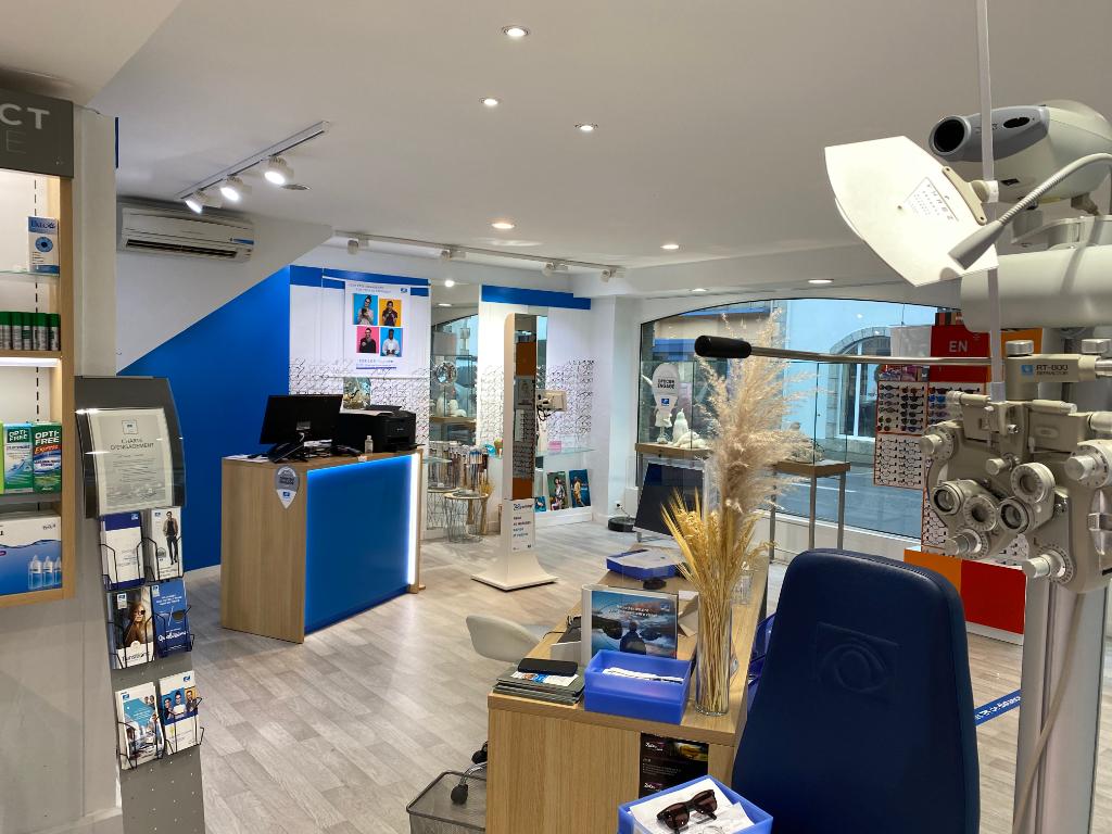 A vendre murs et Fonds de commerce d'optique  très bien situé 29910 Trégunc