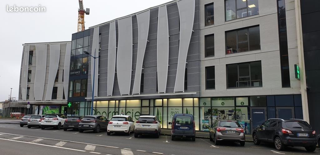 Bureaux  BREST 820 m² (PORT DE COMMERCE )