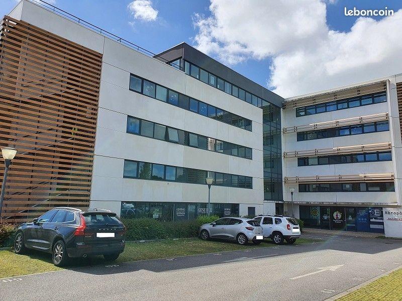 A vendre - plateau de bureaux- Brest- Guipavas Aeroport  255 m2