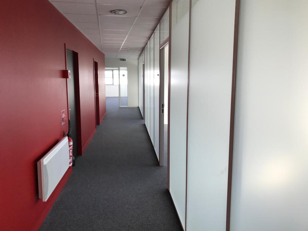 A louer 1320 M2 de bureau Bd de L'Europe Brest Kergaradec.