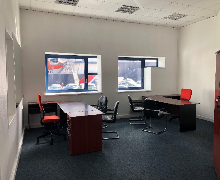 Brest bureaux 55 m²  meublés port de commerce Location