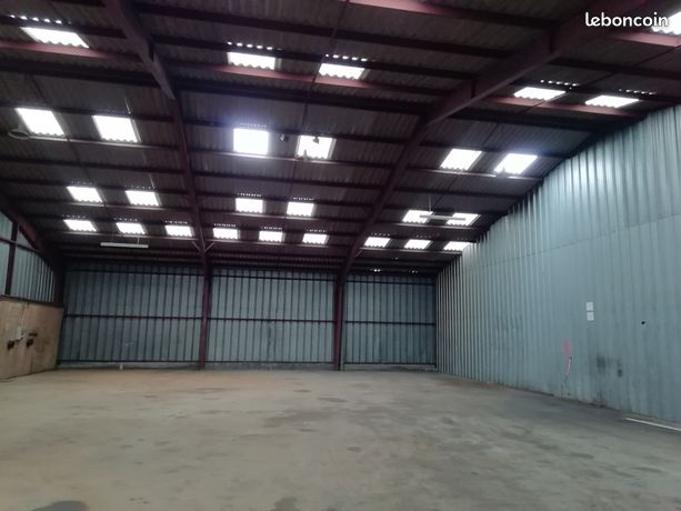 A louer Brest kergaradec entrepôt 400m²