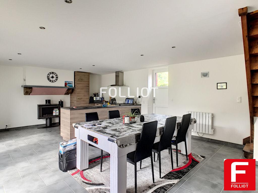 Maison Jullouville 5pièce(s) 108 m2 50610