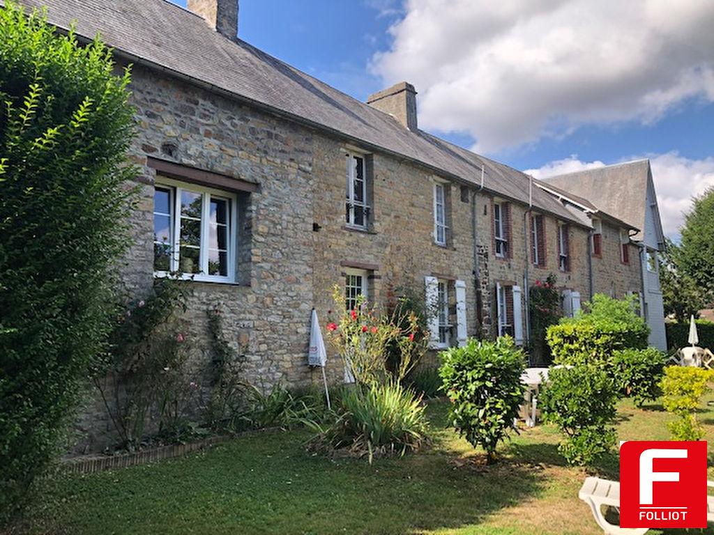 Maison d'habitation et  Gîtes au coeur de la Suisse Normande , Rare à la vente