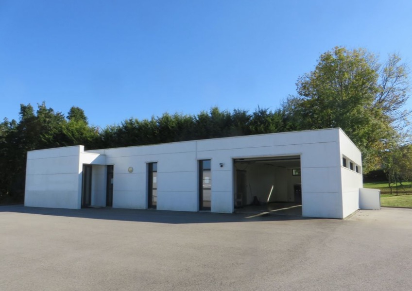 Entrepôt / local industriel  204 m2