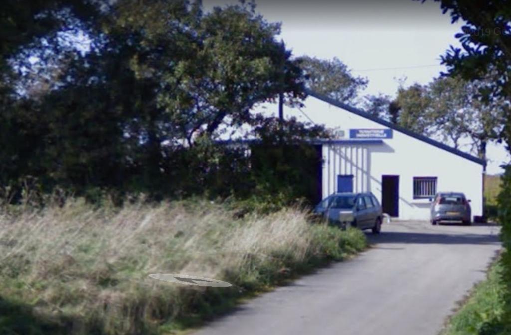 Local d'activité Bourg Blanc 400 m2