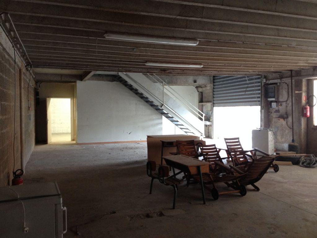 Entrepôt / local industriel Gouesnou 454 m2