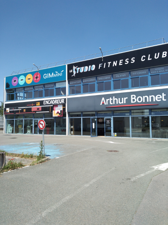 Local commercial Orgeval 300 m2