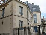 IMMOBILIERE PACQUET vous propose sur St Germain en Laye centre proche RER A.  Location d'une surface de bureaux  de 81 M².