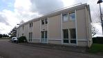 Saint Nom la Bretèche, dans Parc d'Affaires entre Versailles et Saint Germain en Laye, locaux mixtes bureaux/activité entrepôt de 387 M² avec portes sectionnelles.