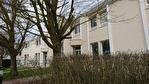 Saint Nom la Bretèche, dans Parc d'Affaires entre Versailles et Saint Germain en Laye, un local d'activité entrepôt de 191 M² avec porte sectionnelle. Loyer trimestriel : 5 250 euros HT et HC.