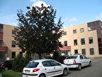 IMMOBILIERE PACQUET vous propose entre Versailles et Saint Germain en Laye. A louer bureau ou Local professionnel  de 30 M²  quote-part parties communes comprise. Loyer mensuel HT et HC: 500 euros.