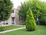 IMMOBILIERE PACQUET vous propose à la location des bureaux de 500 M² divisibles (250 M²) sur Saint Nom la Bretèche dans parc d'affaires entre Versailles et Saint Germain en Laye. Loyer trimestriel: 15 000 euros HT et HC