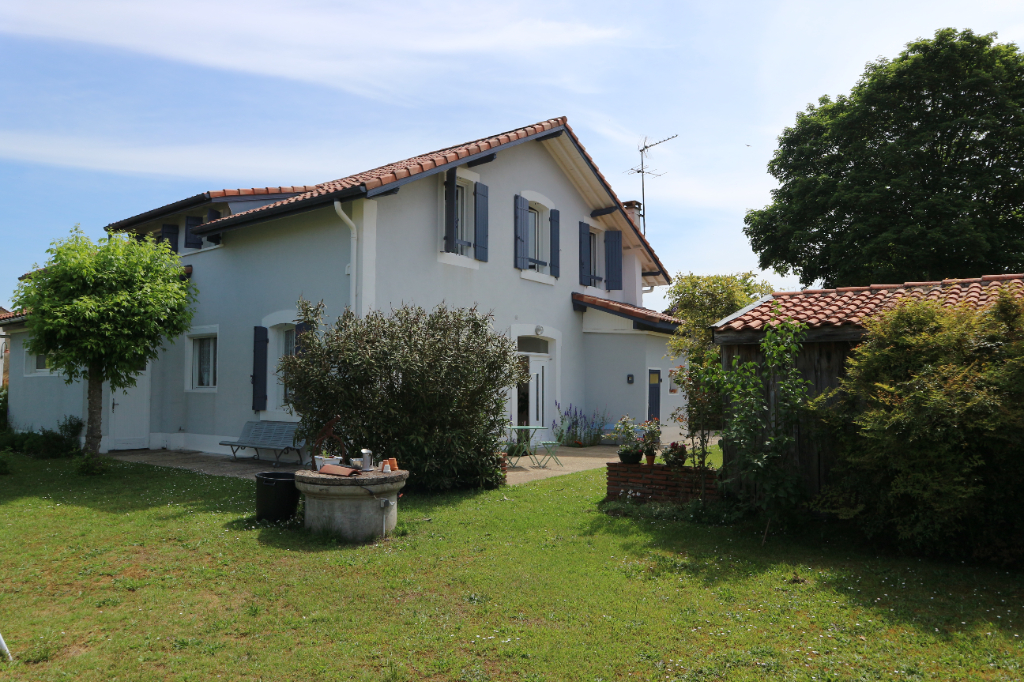 Maison Saint Yaguen 9 pièce(s) 260 m2