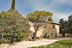 Bastide XVIIIe rénovée à vendre sur 1 ha de jardin arboré proche Avignon et Alpilles