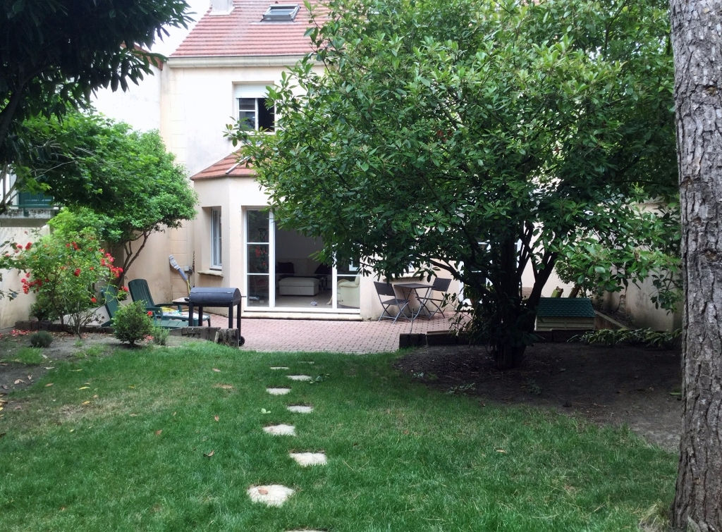 Maison a vendre le chesnay 9 pi ces 182 m 1 350 000 for Piscine du chesnay